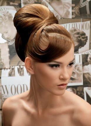 """Шоколадно коричневый цвет волос на длинные волосы, роскошная высокая прическа """"бабетта"""""""