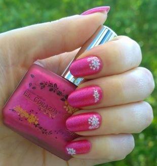 Дизайн ногтей со стразами, розовый маникюр с наклейками