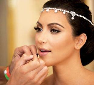 Свадебный макияж с нарощенными ресницами, летний макияж для кареглазых девушек с темными волосами