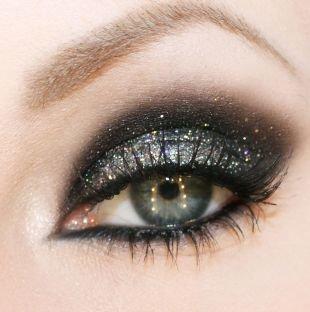 Макияж под фиолетовое платье, новогодний макияж смоки айс