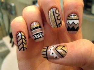 Осенние рисунки на ногтях, этнический дизайн ногтей