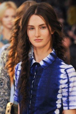 """Быстрые прически на длинные волосы, прическа с косами """"рыбий хвост"""" в стиле бохо-шик"""
