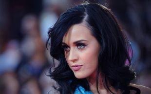 Причёски с распущенными волосами, вечерняя прическа на короткие и средние волосы
