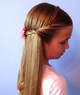 Мышиный цвет волос на длинные волосы, прическа для девочки с косичкой-ободком и жгутами