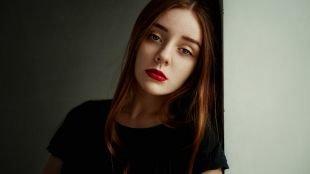 Макияж для рыжих с голубыми глазами, макияж моделей с красной помадой
