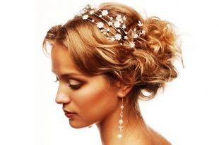Свадебные прически, изумительная свадебная прическа на средние волосы
