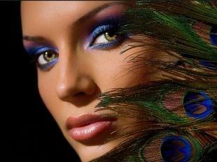 Макияж для тёмно зелёных глаз и тёмных волос, гламурный летний макияж для вечера