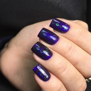 Маникюр космос, новогодний дизайн ногтей в синем цвете