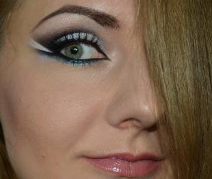 """Вечерний макияж под синее платье, макияж для серых глаз в технике """"бабетта"""""""