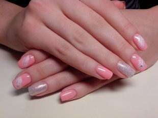 Пастельный маникюр, нежный розовый маникюр с перьями