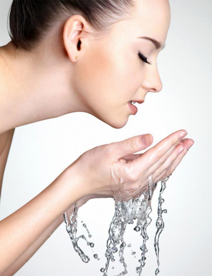 Подготовка кожи лица к нанесению сметанной маски