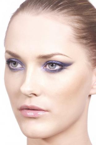 Макияж для серо голубых глаз, макияж для серых глаз с сиреневыми тенями