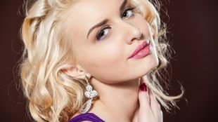 Макияж на выпускной для блондинок, макияж на выпускной в розово-фиолетовой гамме