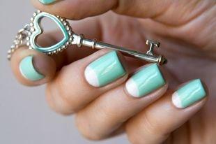 Модный дизайн ногтей, лунный бирюзовый маникюр