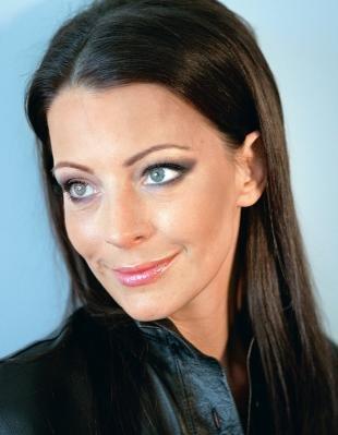 Макияж в серых тонах для серых глаз, макияж для женщин 40 лет
