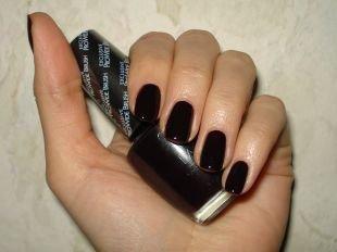 Маникюр на каждый день, темный маникюр на коротких ногтях