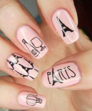 Рисунки на ногтях кисточкой, нежно-розовый маникюр на тему парижа