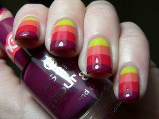 Модный дизайн ногтей, необычный разноцветный маникюр на выпускной