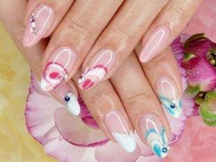 Красивые ногти френч с рисунком, французский маникюр (френч) с рисунком и камнями