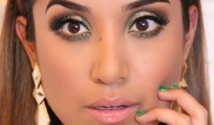 Макияж для карих глаз под зеленое платье, блестящий макияж на новый год