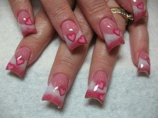 Маникюр акрилом, красивый розовый маникюр с сердечками