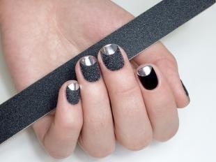 Зеркальный маникюр, модный френч на короткие ногти