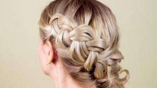 Свадебные прически с косой, красивая объемная коса на длинные волосы