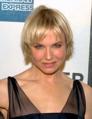 Цвет волос перламутровый блондин, стрижка для круглого лица и тонких волос