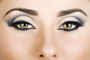 Свадебный макияж для зеленых глаз и темных волос, вечерний макияж для близко посаженных глаз