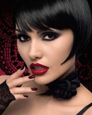 Темный макияж, яркий макияж в стиле чикаго 30-х годов