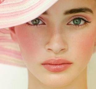 Макияж для овального лица, нежный макияж для зеленых глаз