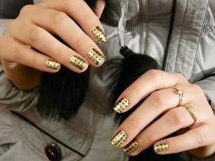 Дизайн ногтей слайдер, голливудский маникюр с наклейками