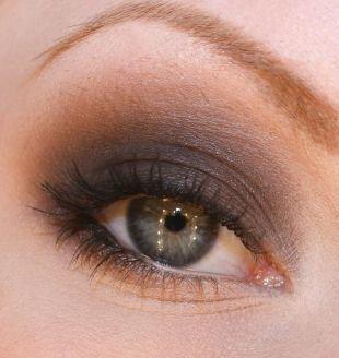 Темный макияж для серых глаз, макияж смоки айс