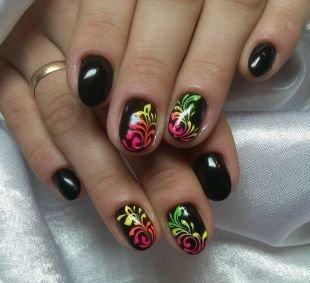 Черный дизайн ногтей, черный дизайн ногтей с растительным орнаментом